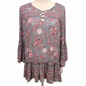 NWT Absolutely Famous Bell Sleeve Top Ruffle Hem